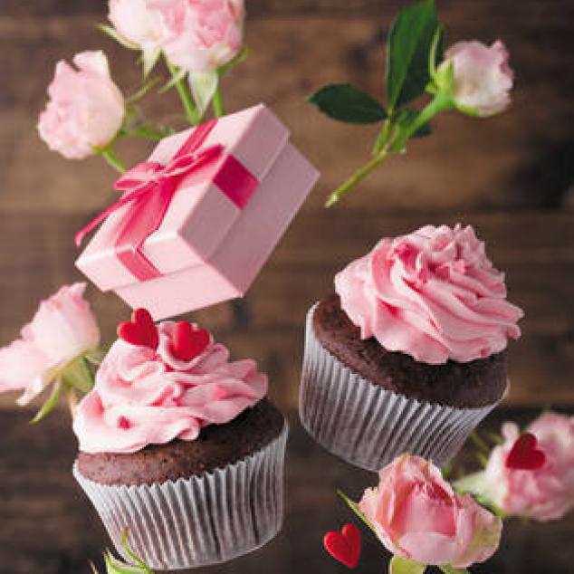 Ansichtkaart Cupcakes en Cadeautje.