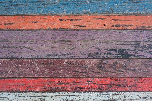 gekleurde-houten-planken_1249-138